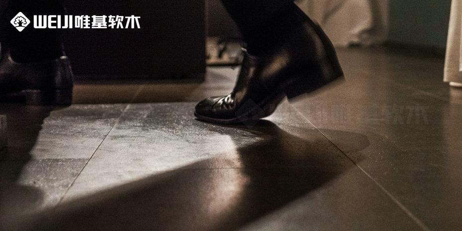 黑色软木地板