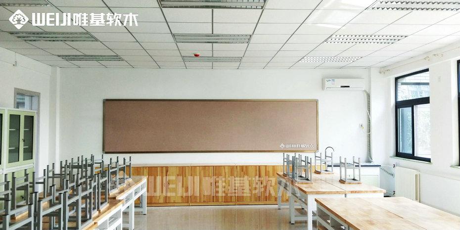 学校软木板